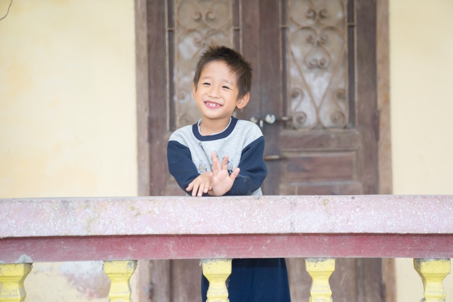 TMV Ngoc Dung tang qua tre em mo coi tai Trung tam xa hoi Ha Nam hinh anh 2