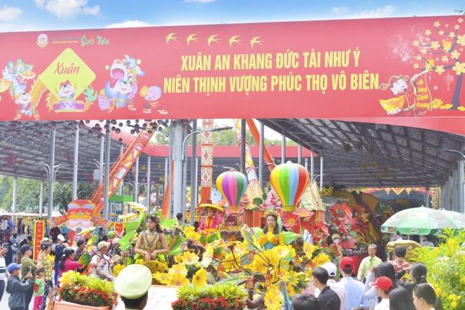 Suoi Tien khai truong 3 cong trinh moi la dip Tet Ky Hoi hinh anh 10
