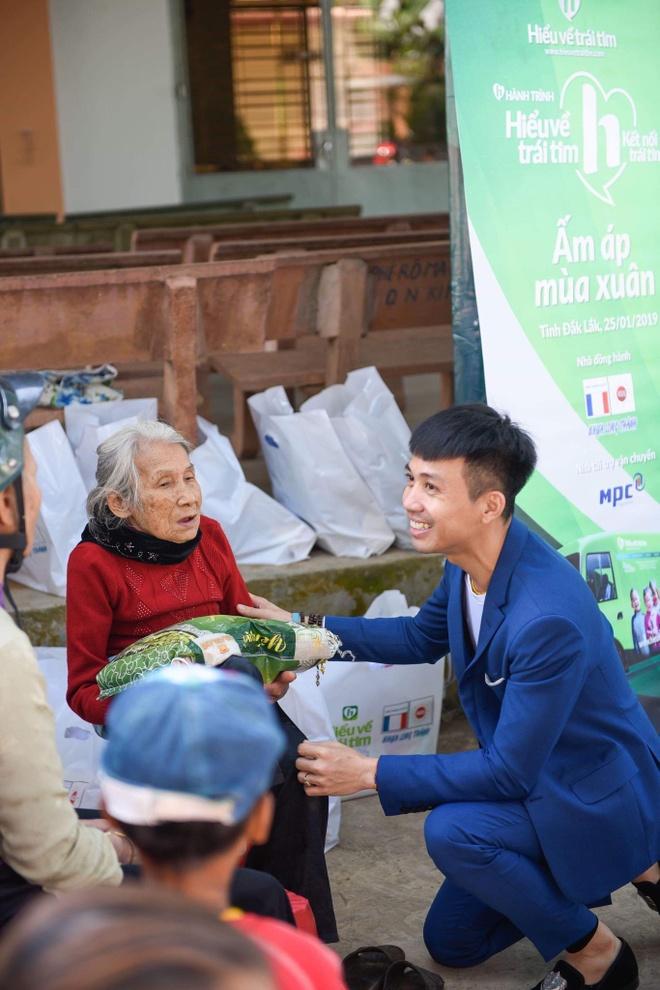 Nhua Long Thanh trao gan 1.000 phan qua Tet tai Dak Lak hinh anh 1