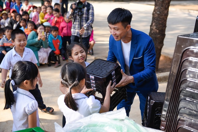Nhua Long Thanh trao gan 1.000 phan qua Tet tai Dak Lak hinh anh 3