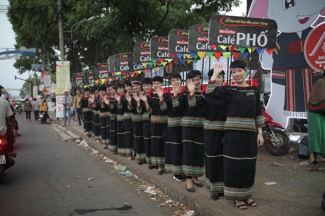 Nhung khoanh khac day sac mau tai Le hoi ca phe Buon Ma Thuot 2019 hinh anh 1