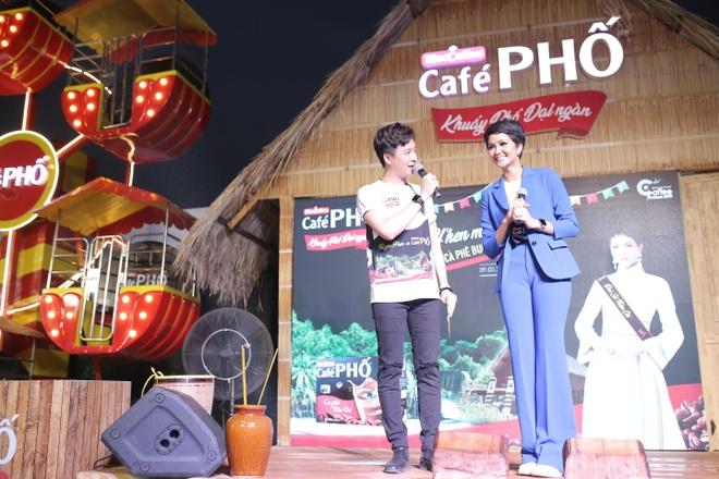 Nhung khoanh khac day sac mau tai Le hoi ca phe Buon Ma Thuot 2019 hinh anh 5