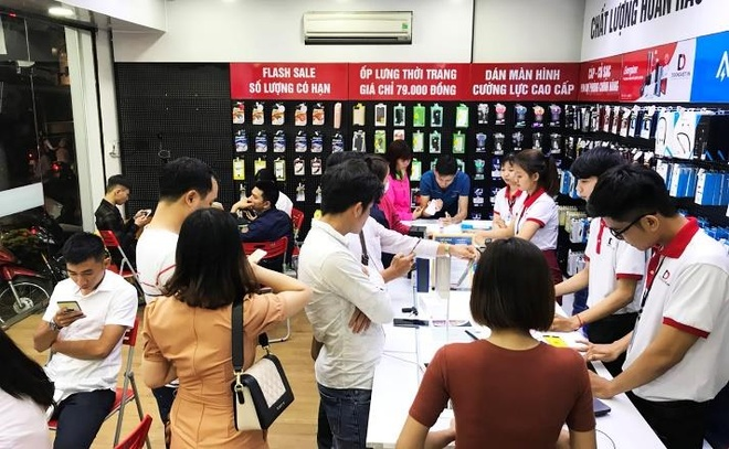 iPhone 7 32 GB ban lock giam con 5,1 trieu dong tai Di Dong Viet hinh anh 3