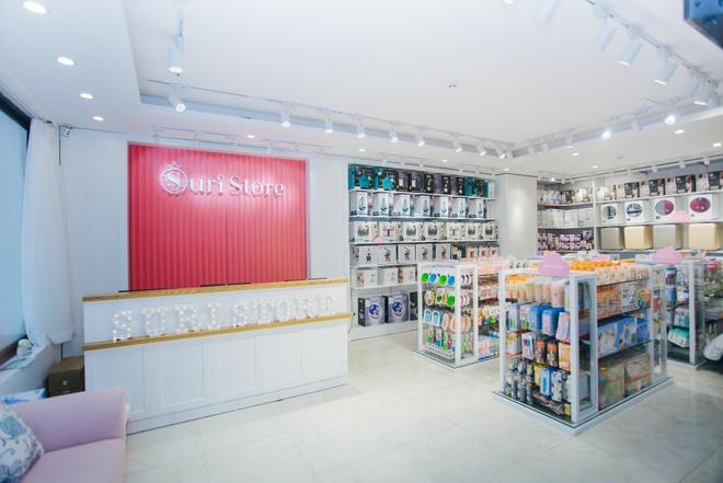 Shop me va be Suri Store chinh phuc khach hang bang tinh yeu hinh anh 2