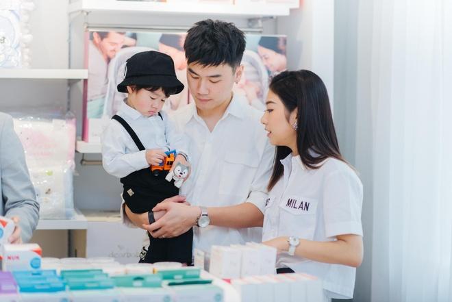 Shop me va be Suri Store chinh phuc khach hang bang tinh yeu hinh anh 5