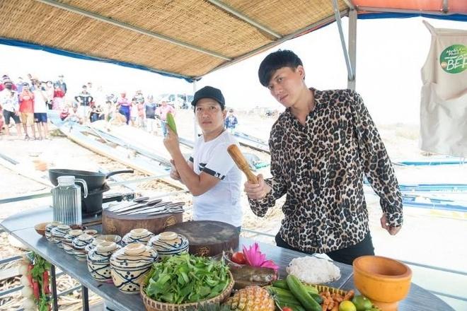 Truong Giang ru Quach Ngoc Tuyen vao bep nau ca lang hinh anh 3