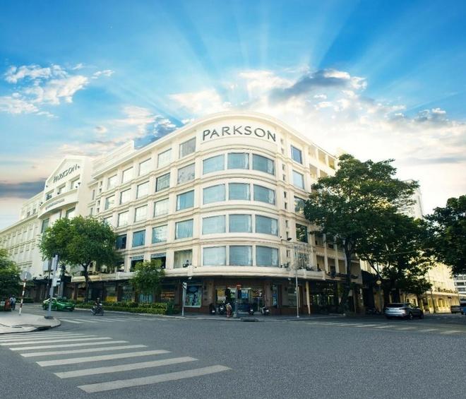'Hoi sinh' TTTM Parkson Saigon Tourist hinh anh 1