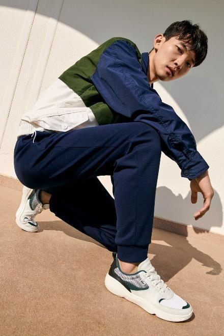 Sneaker ca tinh cua Lacoste duoc nhieu sao Viet ua chuong hinh anh 6