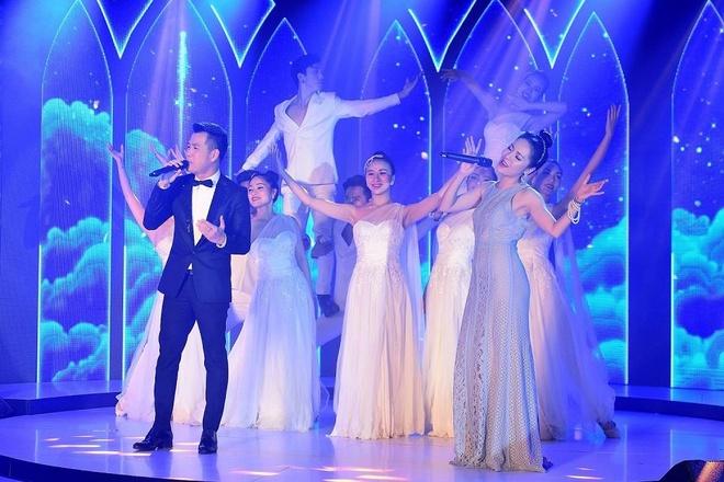 Wonder Fashion Show tai hien Paris hoa le tai Ha Long hinh anh 10