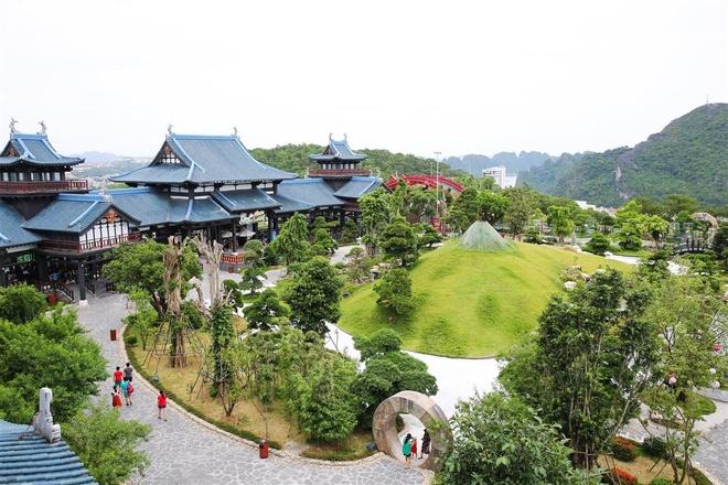 Sun World Halong Complex tang ve cong vien nuoc cho khach di cap treo hinh anh 1