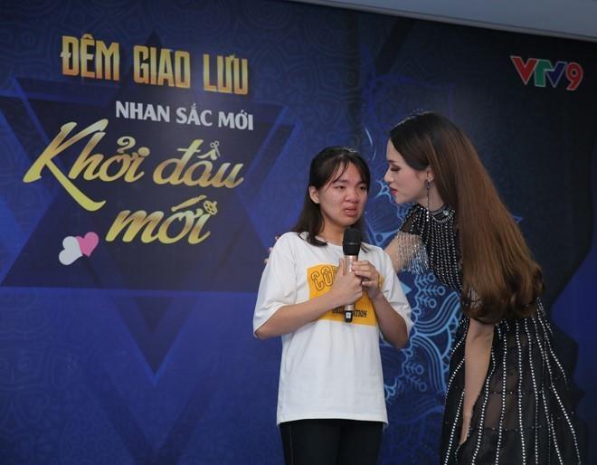 Viet Huong, Ngoc Han va Dai Nghia quy tu tai su kien sac dep hinh anh 1