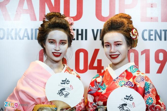 Thuong thuc mon mi muc tuoi duoc phuc vu boi cac geisha dung kieu Nhat hinh anh 8