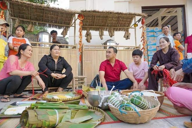 Kham pha canh dong hoa huong duong cach Sai Gon chi 40 km hinh anh 2