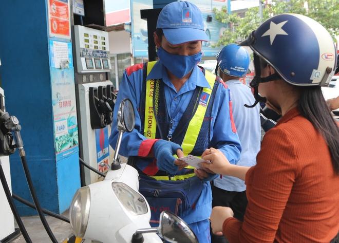 PV Oil Easy bo sung tinh nang mua xang dau bang the qua tang Gotit hinh anh 1