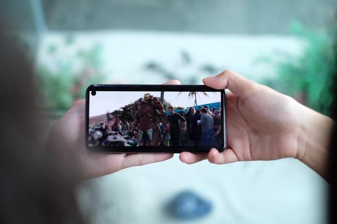 Smartphone - tro thu dac luc giup ky nghi le thu vi hon bao gio het hinh anh 3