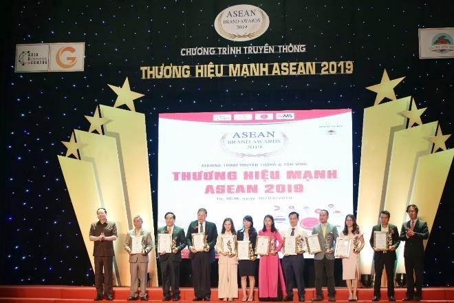 VitaDairy vao 'Top 10 thuong hieu manh ASEAN 2019' hinh anh 1