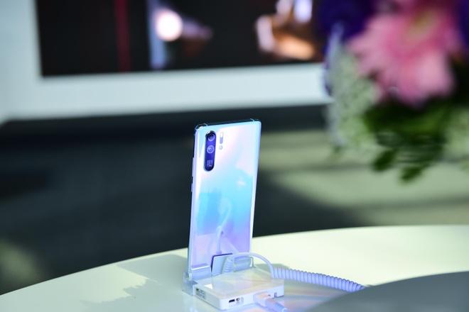 Vua mo ban, Huawei P30 Pro da 'chay hang' hinh anh 3