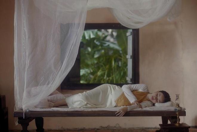 Canh an trung ga song trong trailer 'Nguoi vo ba' co y nghia gi? hinh anh 4