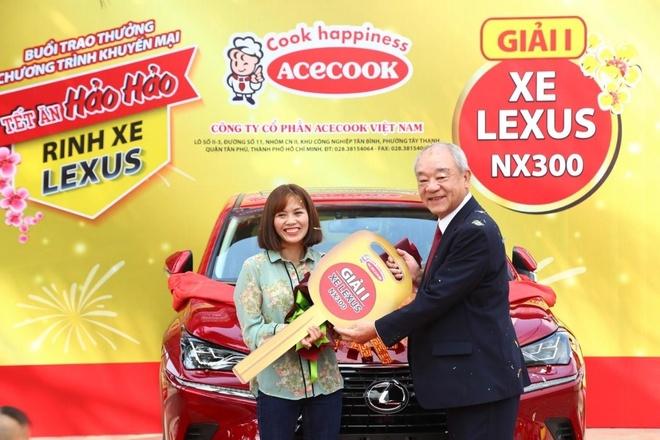 Tet an Hao Hao,  rinh xe Lexus anh 3