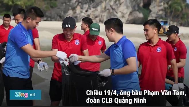 Video - Bau Tam va CLB Quang Ninh doi nang don rac bai bien hinh anh