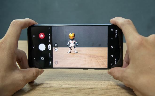 Samsung Galaxy A50 giam 1,3 trieu dong tai Di Dong Viet hinh anh 3