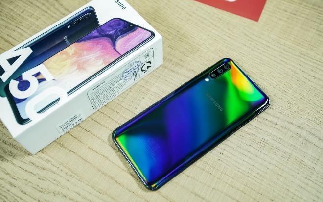 Samsung Galaxy A50 giam 1,3 trieu dong tai Di Dong Viet hinh anh 4