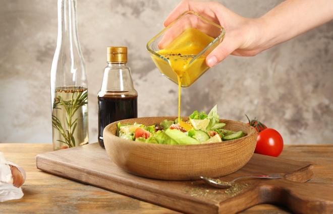 Bi quyet lam mon sot salad ngon hinh anh 1