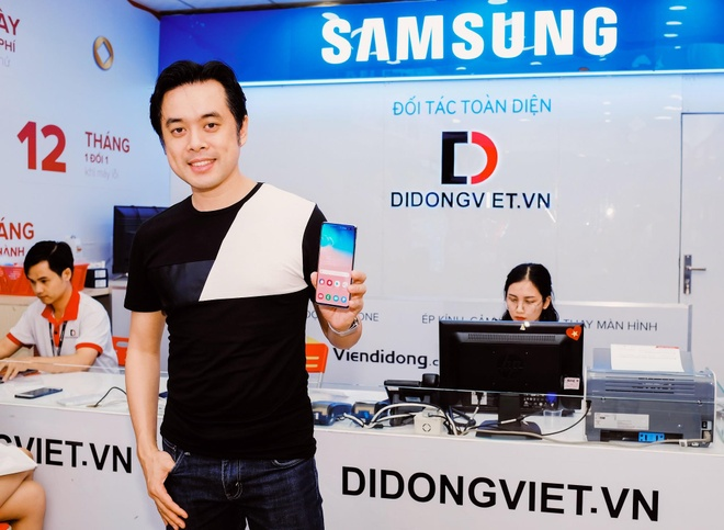 Samsung Galaxy S10, S10+ giam 5 trieu dong tai Di Dong Viet hinh anh 4