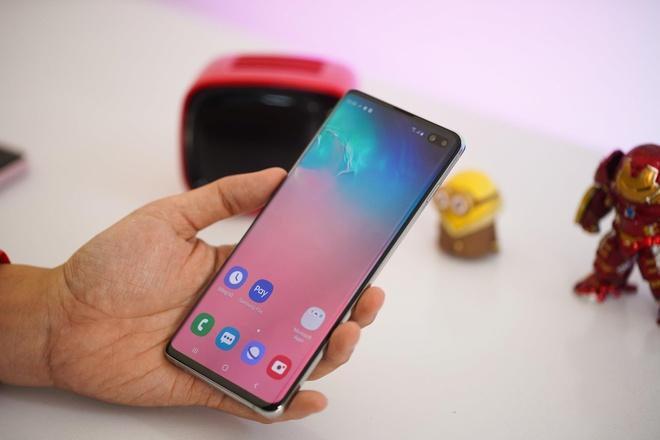 Samsung Galaxy S10, S10+ giam 5 trieu dong tai Di Dong Viet hinh anh 3