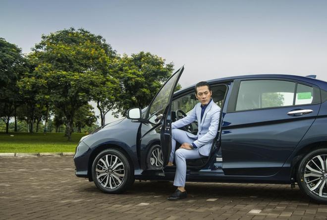 Honda Viet Nam tang qua cho khach mua xe CR-V va City hinh anh 2