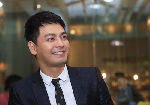 MC Phan Anh: 'Toi truong thanh tu hoat dong cho cong dong' hinh anh 1