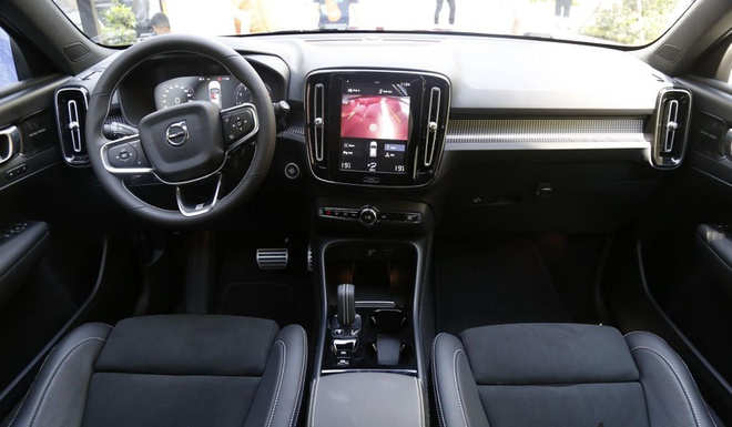 Volvo XC40 chinh thuc ra mat tai Viet Nam, gia 1,75 ty dong hinh anh 4