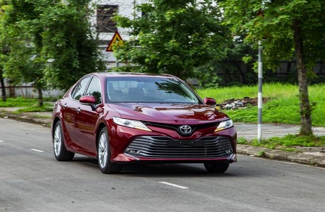 Toyota Camry 2019 - lua chon hop ly o phan khuc sedan cao cap hinh anh 1