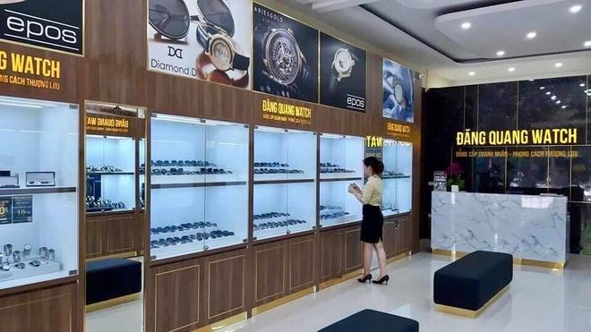 Dang Quang Watch uu dai 25% dip nang cap showroom va giao dien website hinh anh 2