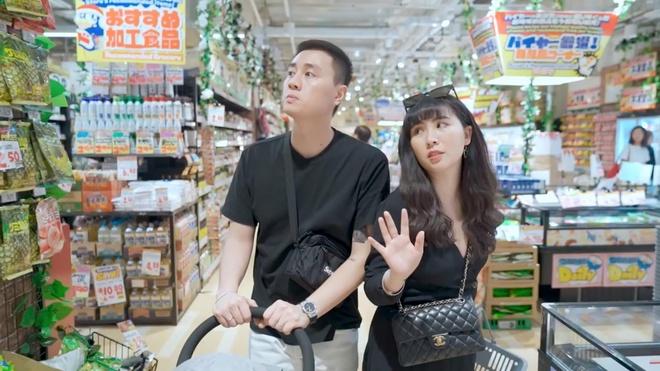 Video - Mot ngay kham pha Singapore cua Kien Hoang, Heo Mi Nhon hinh anh