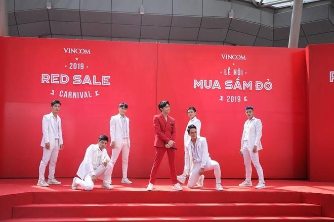 Le hoi mua sam Vincom Red Sale 2019 co gi hap dan? hinh anh 5
