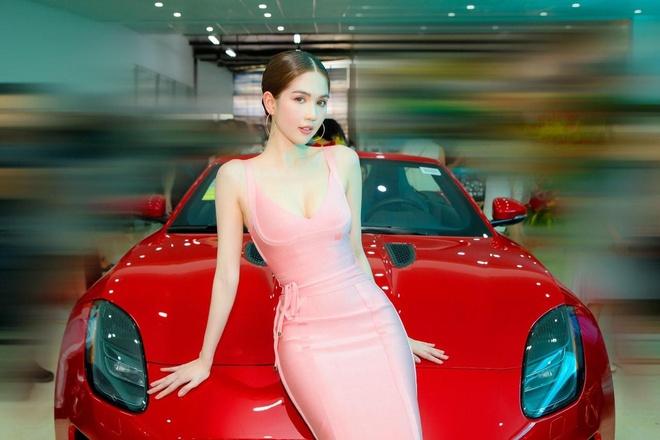 Dan nguoi dep trai nghiem sieu xe Jaguar F-Type R-Dynamic Convertible hinh anh 5