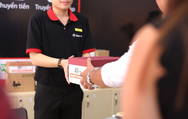 FPT Shop thu ve 10 ty trong 48 tieng to chuc 'Prime Day 2019' hinh anh 2