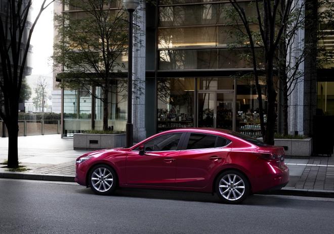 Mazda3 vuot moc 50.000 xe, trong top 10 oto ban chay nhat hinh anh 1