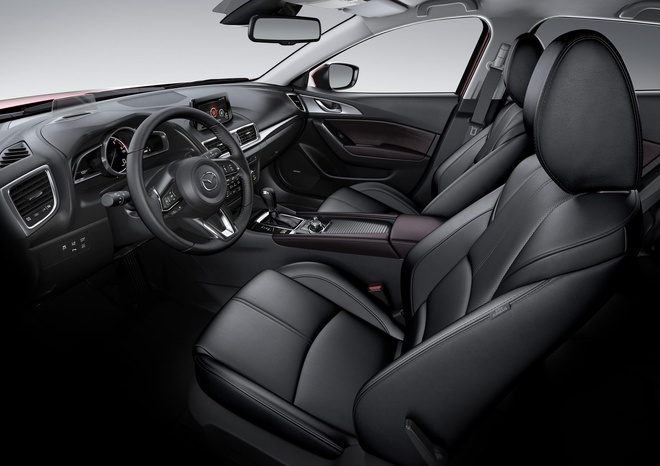 Mazda3 vuot moc 50.000 xe, trong top 10 oto ban chay nhat hinh anh 3
