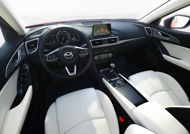 Mazda3 vuot moc 50.000 xe, trong top 10 oto ban chay nhat hinh anh 4