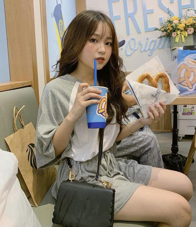 Food blogger Ha thanh ru nhau review snacks den tu My hinh anh 3