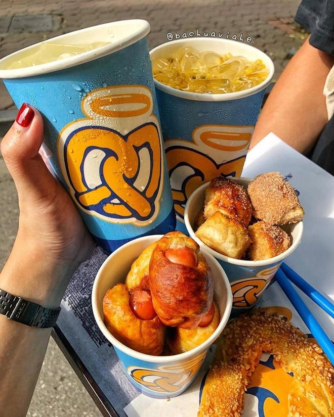 Food blogger Ha thanh ru nhau review snacks den tu My hinh anh 7