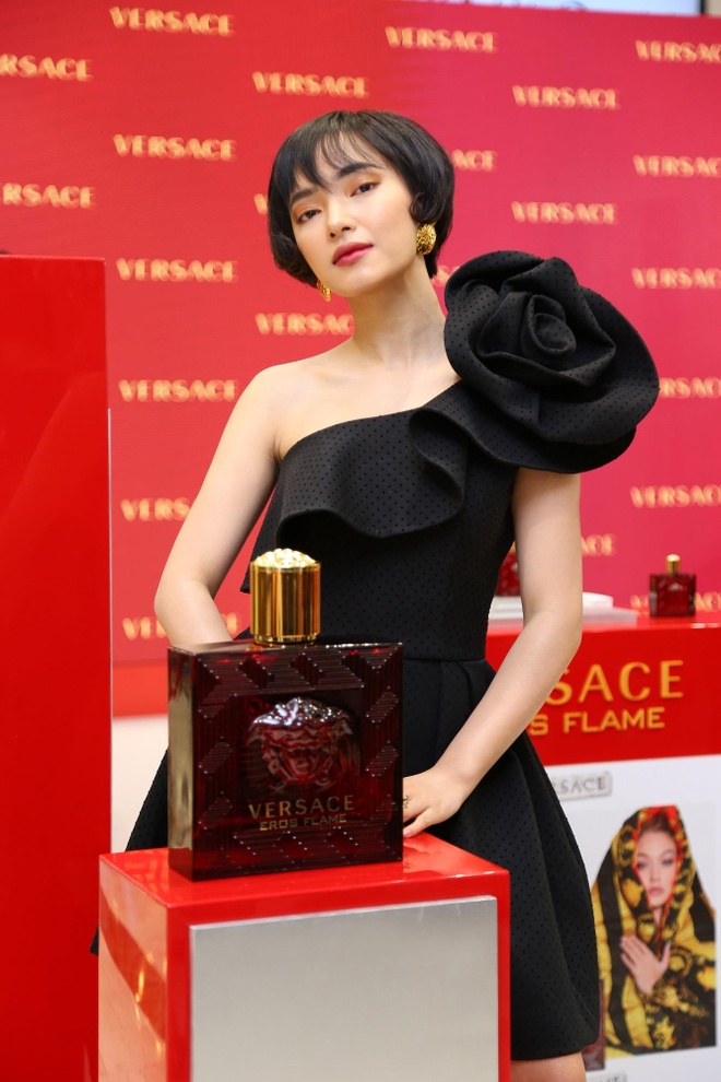 Versace Eros Flame - luu giu huong thom cua tinh yeu nong chay hinh anh 4