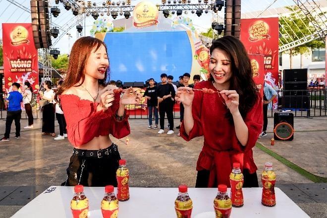 Le hoi 'Pho hang nong' hua hen khuay dong Sai thanh dip cuoi tuan hinh anh 2
