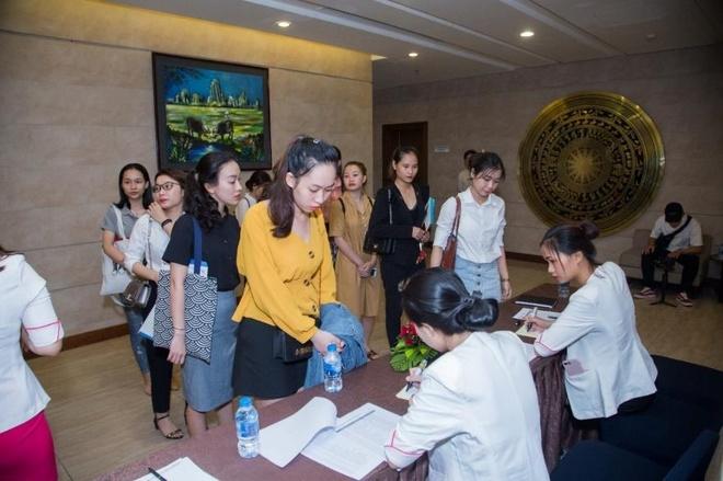 Shynh House Premium Da Nang thu hut hang tram ung vien xin viec lam hinh anh 1