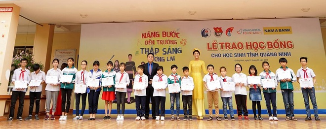 Nam A Bank chinh thuc dong hanh cung cuoc thi Hoa hau hoan vu VN 2019 hinh anh 2