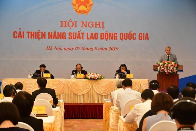 Giao su nuoc ngoai gop y ve nang suat lao dong Viet Nam hinh anh 1