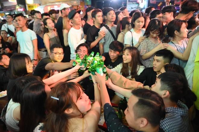 Bia Saigon cung gioi tre lan toa tinh than duong pho voi 'Dem Sai Gon' hinh anh 1