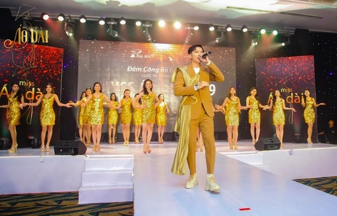 S.T Son Thach khuay dong le trao giai cuoc thi anh Miss Ao dai 2019 hinh anh 1